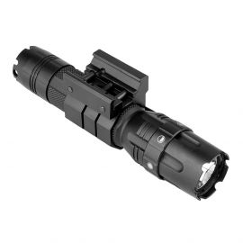 VISM NCSTAR PRO-SERIES FLASHLIGHT MOD2 W/ STROBE & MOUNT 500 LUMEN